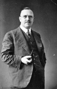Ernest Marsden, head of New Zealand's DSIR from 1926 to 1946. REF: natlib.govt.nz:tapuhi:1/4-018564\F